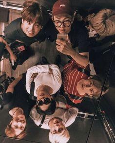 Namjoon, Bts Taehyung, Seokjin, Hoseok, Bts Group Picture, Bts Group Photos, Foto Bts, Vlive Bts, Bts Polaroid