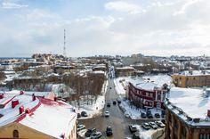 Вид на центр Кирова с колокольни Спасского собора.