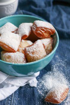 <p>Hola! Los buñuelos franceses o Beignets o , son como unos dulces típicos de Carnaval en Francia y también del Mardi Gras en Nueva Orleans. Son super fáciles de hacer y saben increíble. Hoy te enseño esta receta deliciosa y…</p> Bakery Recipes, Chef Recipes, Mexican Food Recipes, Sweet Recipes, Cookie Recipes, Dessert Recipes, Beignets, Delicious Deserts, Yummy Food