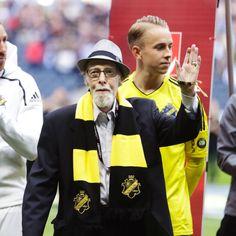 WATCH: AIK honour elderly fans