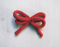 Pick your color. Wool bow brooch. Knotted bow brooch. by ylleanna, €16.00