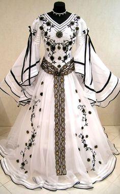 MEDIEVAL DRESS by estela