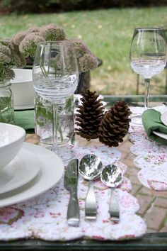 Just in time for Autumn al fresco dining and the holiday entertaining season. Enter to win four place settings of Swirl White Mikasa dinnerware $232 value.