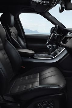 Autos Range Rover Interieur 56 Ideen - grown up tings - Cars Range Rover Classic, Range Rover Noir, Range Rover Schwarz, Range Rover Black, Honda Cbr 600, Bmw I3, Toyota Prius, Toyota Cars, Range Rover Interior