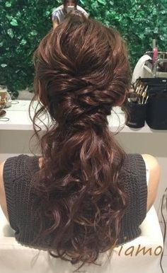 Hair wedding ponytail hairdos for 2019 Wedding Ponytail, Hairdo Wedding, Wedding Hair Flowers, Wedding Makeup, Messy Hairstyles, Pretty Hairstyles, Wedding Hairstyles, Asian Hair And Makeup, Hair Makeup