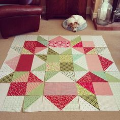 Quilts Don't Get Much Easier Than This Gigantic Scrappy Christmas Swoon. Using 10 squares. With borders, fInishes around 93 sq. Big Block Quilts, Star Quilts, Scrappy Quilts, Easy Quilts, Mini Quilts, Star Quilt Blocks, Quilting Tutorials, Quilting Projects, Quilting Designs