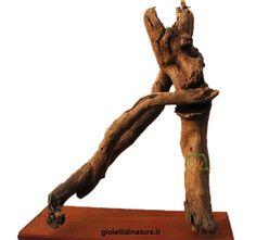 Il baciamano. Leggi la storia... #driftwood. Woodys ©