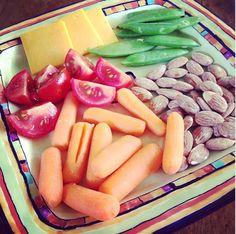A healthy snack. Easy Healthy Recipes, Healthy Choices, Whole Food Recipes, Vegetarian Recipes, Snack Recipes, Cooking Recipes, Healthy Foods, Yummy Recipes, Health Snacks