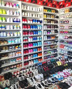 Cute Nike Shoes, Nike Air Shoes, Nike Sneakers, Sneakers Fashion, Latest Sneakers, Jordan Sneakers, Fashion Outfits, Nike Outfits, Men Fashion