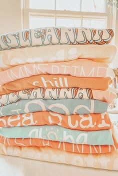Aesthetic Images, Aesthetic Collage, Aesthetic Backgrounds, Aesthetic Iphone Wallpaper, Aesthetic Wallpapers, Cute Preppy Outfits, Trendy Outfits For Teens, Orange Aesthetic, Summer Aesthetic
