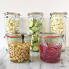 Hey guys! 👋🏽 How's everyone's Sunday?? I've been spending mine in the kitchen dancing to a playlist, filling up my new weck jars with prepped veggies for the week, and trying out some new things (making my own pickled red onions and starting the process to sprout some chickpeas to see if (1) I can make my own sprouted hummus and (2) if my system will be okay with sprouted chickpeas 🤞🏽because I miss me some hummus post-whole30/paleo diet to heal).