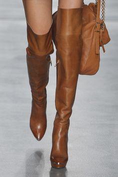 Bota cano alto caramelo - lindaaa #Sapatos