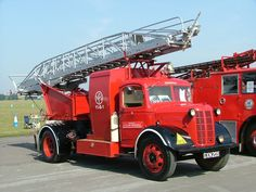 Austin K 6 Turntable ladder, 1943 ♪ Fire Dept, Fire Department, Cool Fire, Rescue Vehicles, Fire Apparatus, Emergency Vehicles, Commercial Vehicle, Fire Engine, Classic Trucks