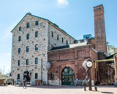 Whiskey, Wharf & Windmill, ROMwalks - September 29 SOLD OUT! Walking through the distillery district you will encounter a variety of structures built outside of the boundaries of the historic Town of York which have been adapted for use today; including added highlights from the War of 1812. Tickets: FREE; available via bookit.studentlife.utoronto.ca On Sale: September 11; Limit: 4 per person