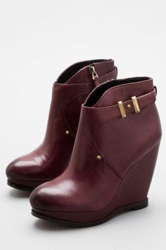 Winter's Most Walkable Boots