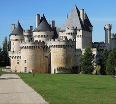 Château de Chabenet,  Le Pont-Chrétien-Chabenet, Indre, Centre-Val de Loire, France....     www.castlesandmanorhouses.com    ....     Moated castle completed in 1471. Partially dismantled by Richelieu. Sold off by the revolutionary government in 1793. Bought by the Poix family in 1803, and restored in 1850 by the Comte de Poix. Inscrit since 1927. 14 towers, not counting the keep.