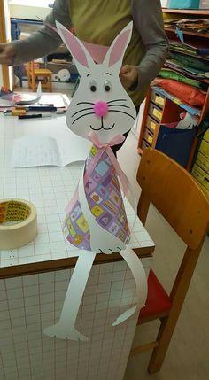 Easter Art, Easter Crafts For Kids, Diy For Kids, Puppet Crafts, Craft Stick Crafts, Diy And Crafts, Paper Bouquet, Spring Projects, Scrapbook Paper Crafts