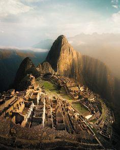 Exploring the Inca ruins. cc: @emmett_sparling