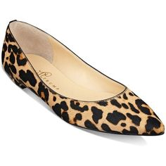 Ivanka Trump Tizzy Pointed Leopard Calf Hair Flats (€115) ❤ liked on Polyvore featuring shoes, flats, leopard, ivanka trump flats, pointed-toe leopard flats, pointy-toe flats, ballerina flat shoes and ballet flats