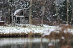 I love freshly fallen snow as well as rustic structures.  This made for a good combination.