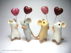 Mice cake topper. .. don't usually like pictures with hearts. But then, they're mice... (Quernus Crafts)