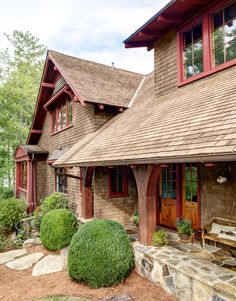 9 rustic cottage house exterior design ideas to copy 6 « Kitchen Design Lakeside Cottage, Rustic Cottage, Cottage Ideas, Lake Cottage, Rustic Barn, Rustic Houses Exterior, Haus Am See, Cabin In The Woods, Lake Cabins