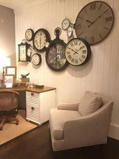 35 Vintage Clock Ideas for Your Home Decor clock,home decoration Creative Wall Decor, Creative Walls, Home Clock, Living Room Clocks, Vintage Design, Decor Vintage, Vintage Clocks, Old Clocks, Antique Clocks