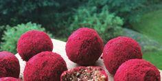 Här kommer receptet på lakritsbollarna som serverades på Leóns 4-års kalas. Har rullat dom i ett här