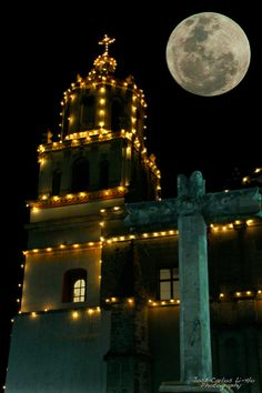 """Spectacular Super Moon Images 