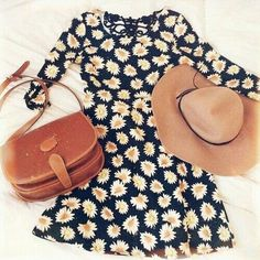 Daisey dress, floppy sun hat, and cross body purse. Persfect summer outfit