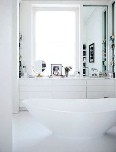 Elegant bathroom..thus creating a very calm and tranquil atmosphere