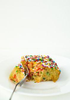 Easy, One-Bowl Vegan Funfetti Cake by katyskitchen.ca #vegan