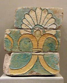 Glazed bricks with a palmette motif from the ancient city of Susa dating back to the Achaemenid period in the century BCE. The bricks and motif are a trademark of ancient Babylon and can still be seen today on the walls of Ishtar Gate. Brick Crafts, Glazed Brick, Brick Art, Achaemenid, Ancient Persia, Ancient Near East, Old Bricks, Tile Art, Islamic Art