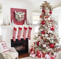 Are you searching for inspiration for farmhouse christmas tree? Check out the post right here for perfect farmhouse christmas tree inspiration. This cool farmhouse christmas tree ideas looks completely terrific. Silver Christmas Decorations, Christmas Tree Themes, Christmas Home, Flocked Christmas Trees Decorated, Christmas Mantles, Christmas Villages, Victorian Christmas, Vintage Christmas, Frosted Christmas Tree