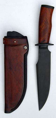 Really nice hunting knife design. Taurus 21 custom knife by Erik Markman from Holland.