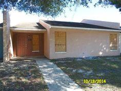117 Lakeside Hills Loop #5, Auburndale FL: 2 bedroom, 2 bathroom Single Family residence built in 1983.  See photos and more homes for sale at http://www.ziprealty.com/property/117-LAKESIDE-HILLS-LOOP-_UNIT_5-AUBURNDALE-FL-33823/21768954/detail?utm_source=pinterest&utm_medium=social&utm_content=home