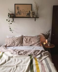small bedroom design , small bedroom design ideas , minimalist bedroom design for small rooms , how to design a small bedroom Design Room, Home Design, Interior Design, Design Ideas, Decoration Bedroom, Home Decor Bedroom, Cat Bedroom, Bedroom Games, Bedroom Wardrobe
