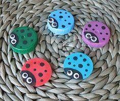 Giochi creativi per bambini riutilizzando i tappi