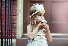 Truly a photo blog of children but I also see: cute style for little people. decor. outfits. crafts. etc.