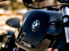 This is a custom motorcycle made by Fran Manen (Lord Drake Kustoms) based on a BMW and in a Cafe Racer and Scrambler style. Custom Bmw, Scrambler, Drake, Lord, Motorcycle, Style, Motorbikes, Swag, Lorde