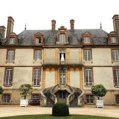 Images at Château de Bourron on instagram