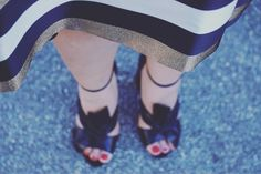 Weekend vibes  #shoes #shoegame #weekendvibes #friday #sotd #bows #shoegasm #blackandgold #fashionblogger
