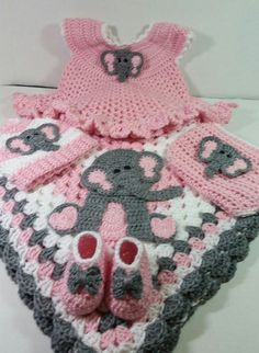 Soft Pink Sitting Elephant Dress and Blanket Gift Set / Baby Elephant Gift Set / Baby Shower Gift For Girl / Elephant Themed Gift Set Baby Girl Crochet Blanket, Crochet Baby Boots, Crochet Baby Clothes, Crochet Bunny, Crochet Poncho, Crochet Flowers, Free Crochet, Elephant Dress, Baby Elephant