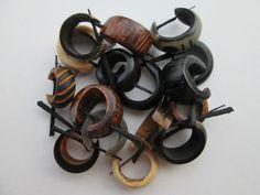 lotto : 10 orecchini di legno Piercing Ear Goa Hippie gioielli cocco