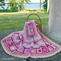 DIY – Crochet Valentine's Heart by BautaWitch Crochet Bookmark Pattern, Crochet Bedspread Pattern, Crochet Baby Blanket Free Pattern, Baby Afghan Crochet, Crochet Squares, Crochet Patterns, Crochet Baby Costumes, Crochet Dog Clothes, Crochet Baby Boots