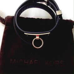 NWT Michael Kors Heritage Plaque Leather Wrap Neutral bracelet in black leather with iconic plaque. All silver tone hardware, perfect condition, ready to wear with everything! Michael Kors Jewelry