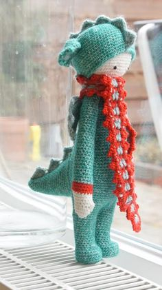 DIRK the dragon made by Karin D. / crochet pattern by lalylala
