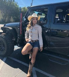 Cute Cowgirl Outfits, Rodeo Outfits, Cowgirl Boots, Western Outfits, Cowgirl Style, Sexy Cowgirl, Cowboy Outfits For Women, Cute Outfits, Western Wear