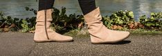 GROUNDIES® Odessa Women - Barefoot bootie OdessaSuper casual: Odessa will make you feel cosy even on cool autumn and winter days. Match the short boot made of soft suede with skirts and dresses as wel Barefoot Boots, Woolen Socks, Thick Socks, Short Boots, Soft Suede, Lady, Chelsea Boots, Skinny Jeans, Urban