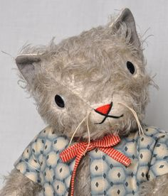 the very winning 'Kitty' by art doll maker Jennifer Murphy. Hamster, Cat Doll, Old Dolls, Soft Sculpture, Antique Toys, Doll Toys, Baby Dolls, Softies, Handmade Toys